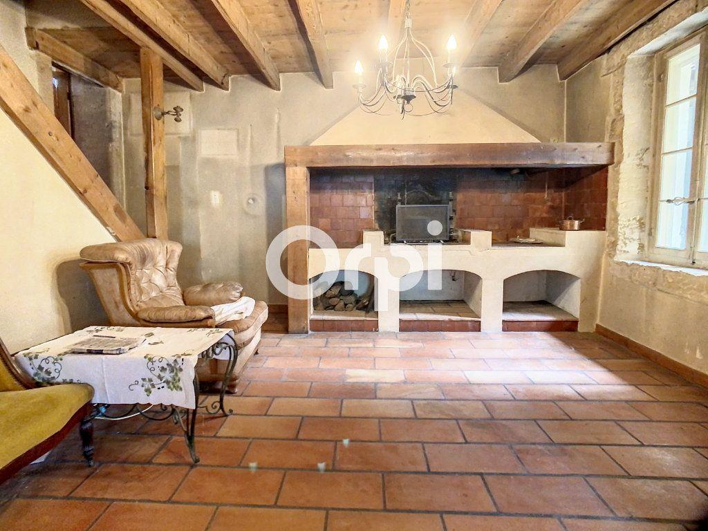 Maison à vendre 5 158m2 à Arles vignette-3