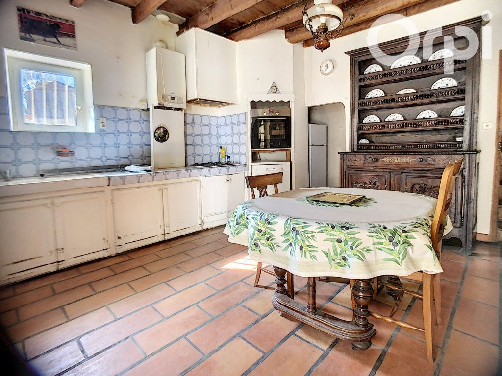 Maison à vendre 5 158m2 à Arles vignette-4