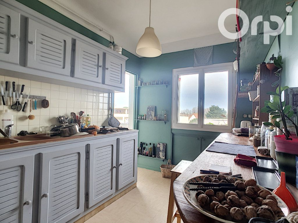 Appartement à vendre 4 76m2 à Arles vignette-1