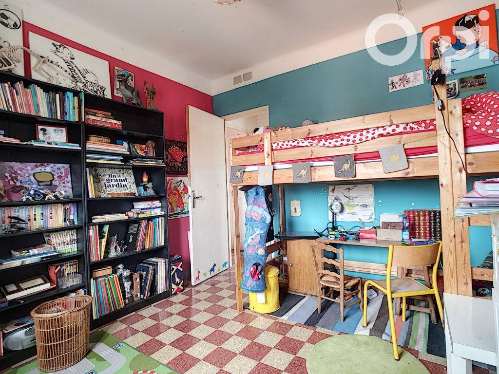 Appartement à vendre 4 76m2 à Arles vignette-4