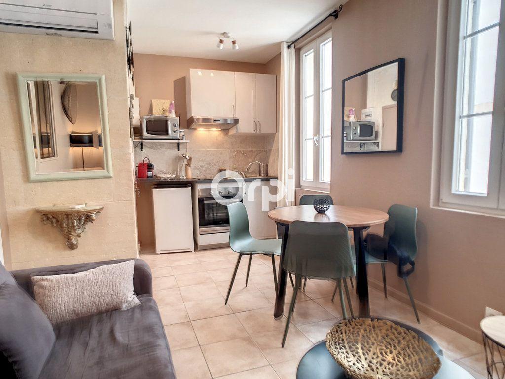 Appartement à louer 2 25m2 à Arles vignette-1