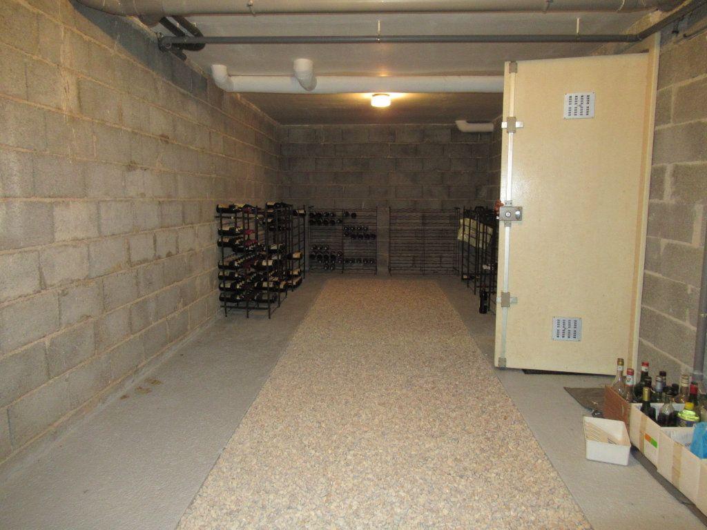 Maison à vendre 10 221m2 à Arbois vignette-17