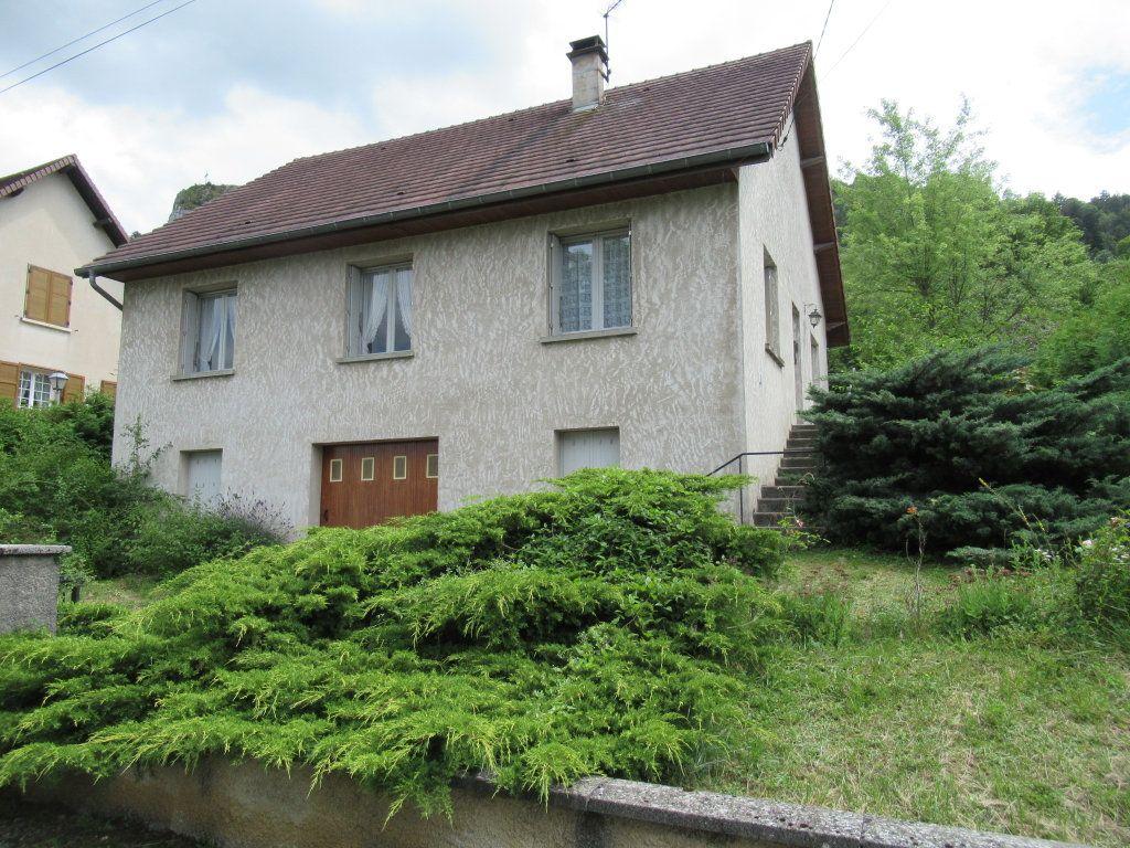 Maison à vendre 5 90m2 à Poligny vignette-1