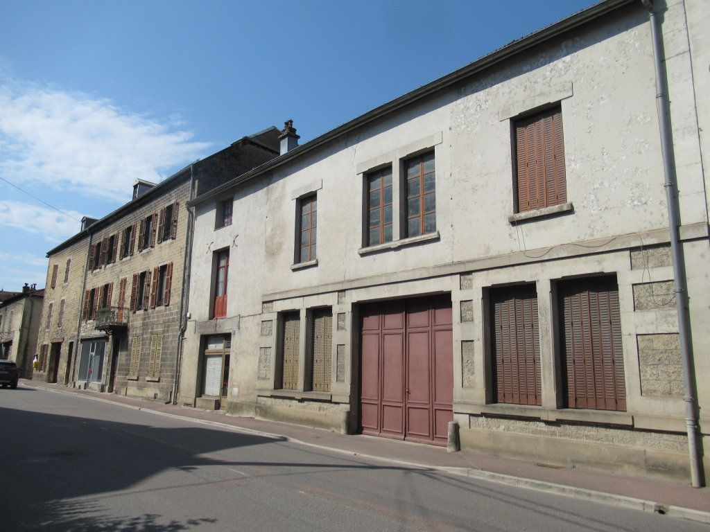 Immeuble à vendre 0 600m2 à Salins-les-Bains vignette-3