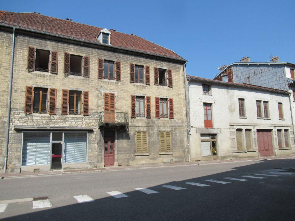 Immeuble à vendre 0 600m2 à Salins-les-Bains vignette-4