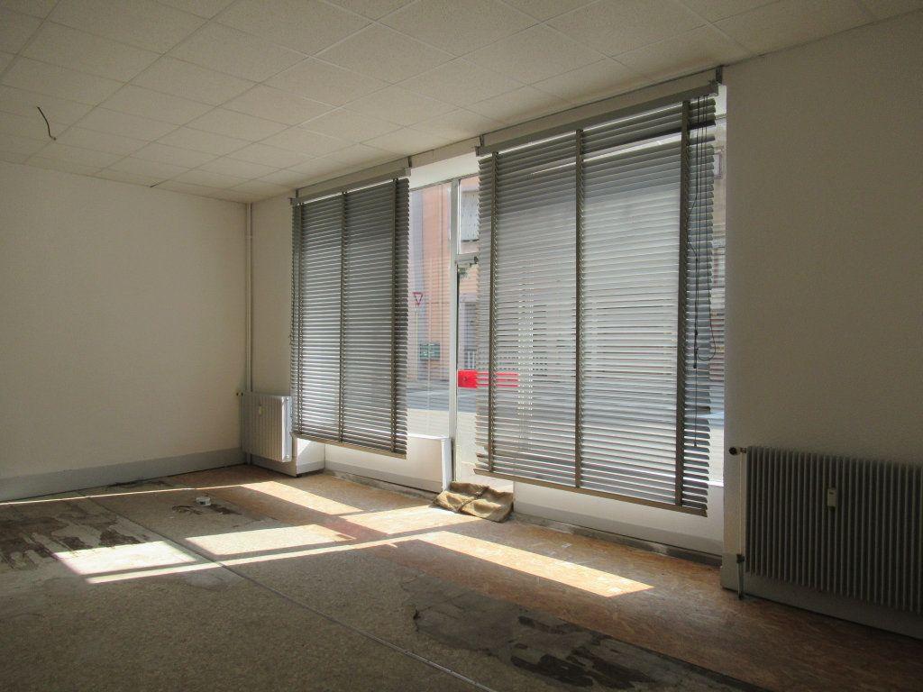 Immeuble à vendre 0 600m2 à Salins-les-Bains vignette-7