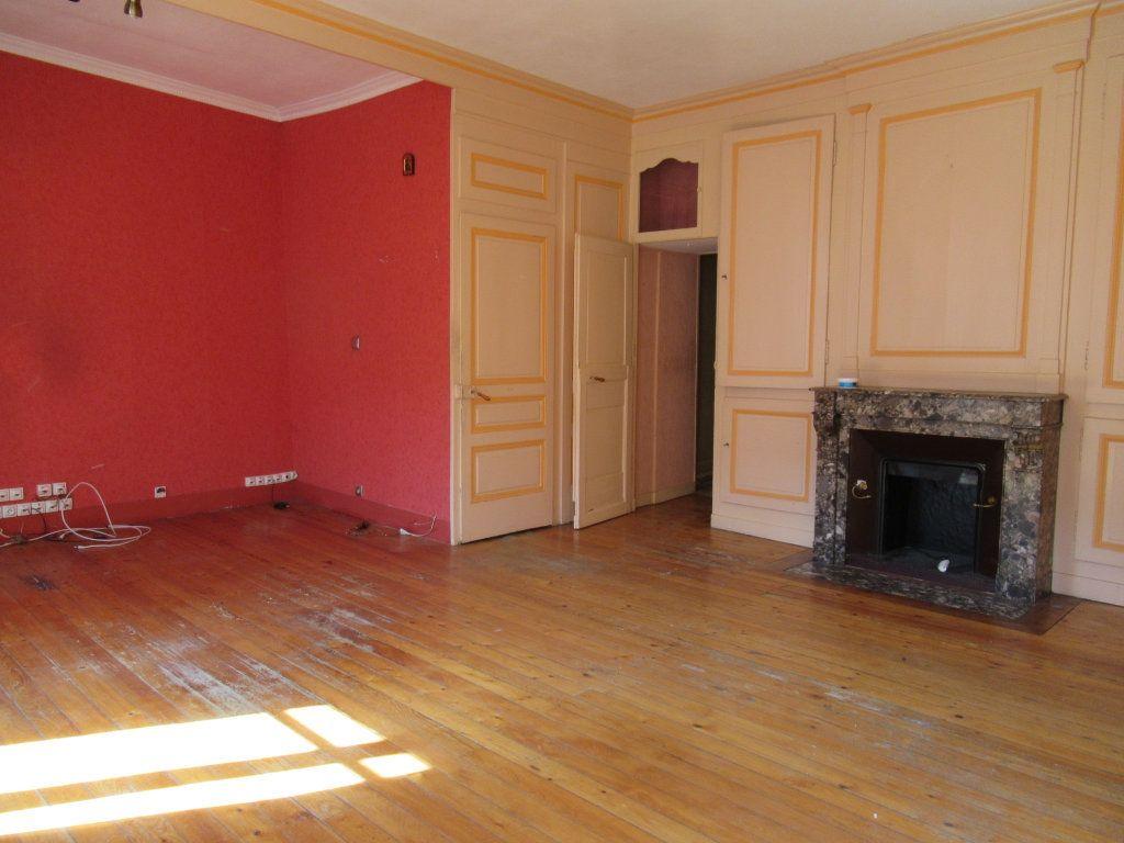 Immeuble à vendre 0 600m2 à Salins-les-Bains vignette-11
