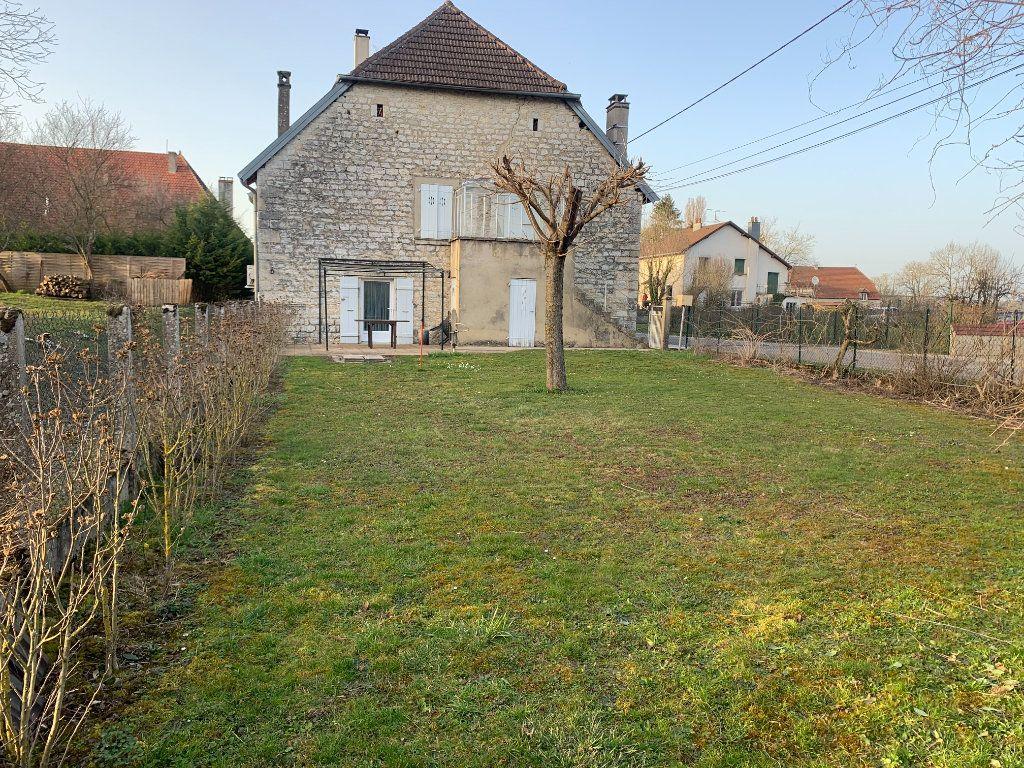 Maison à vendre 8 179m2 à Chissey-sur-Loue vignette-2