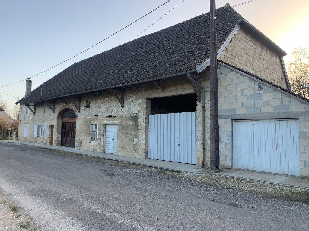 Maison à vendre 8 179m2 à Chissey-sur-Loue vignette-4
