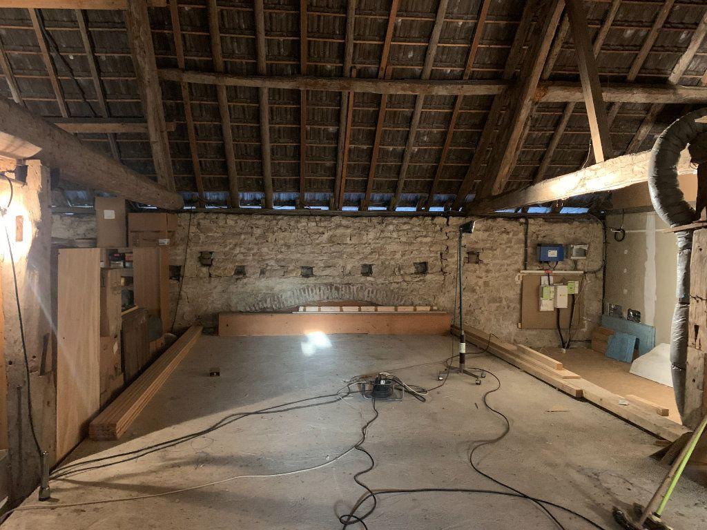 Maison à vendre 8 179m2 à Chissey-sur-Loue vignette-12