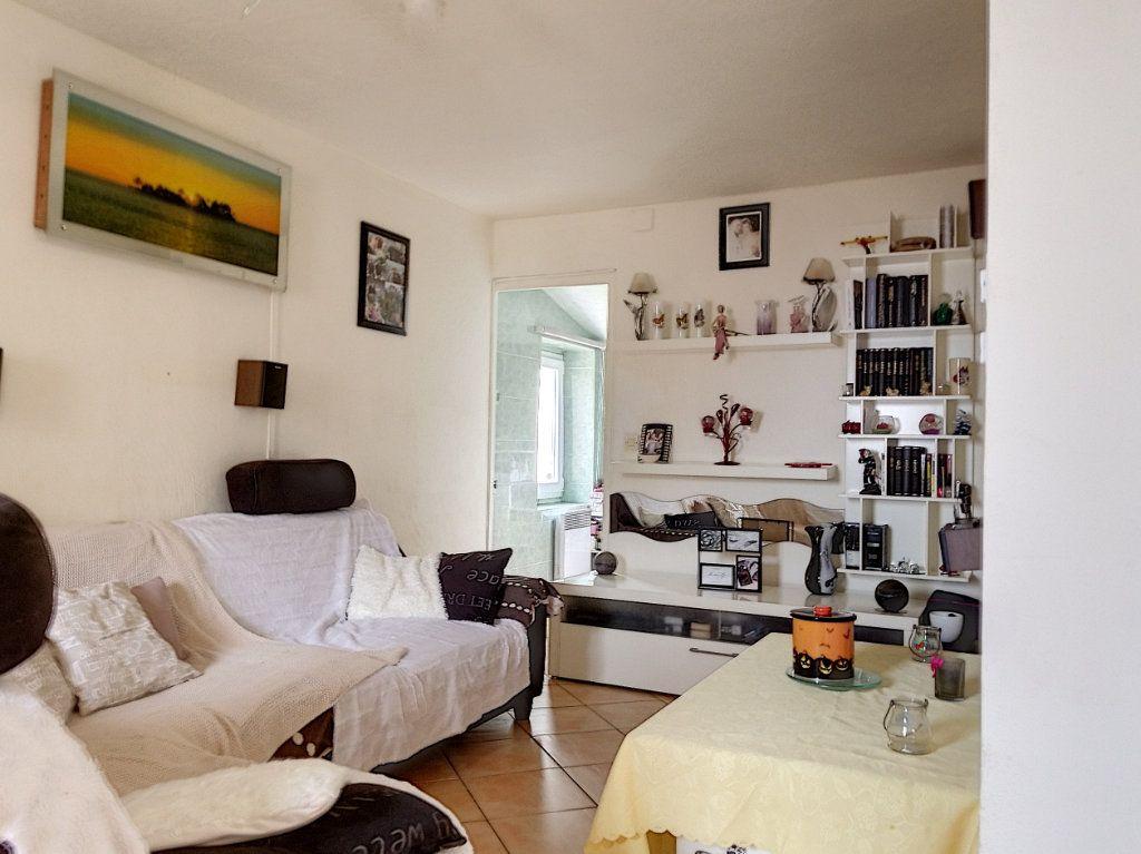 Maison à vendre 3 60m2 à Berre-les-Alpes vignette-5