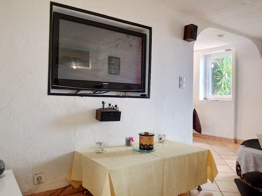 Maison à vendre 3 60m2 à Berre-les-Alpes vignette-6