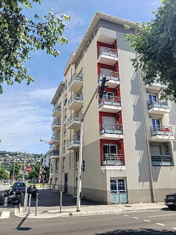 Appartement à louer 1 29.7m2 à Nice vignette-1