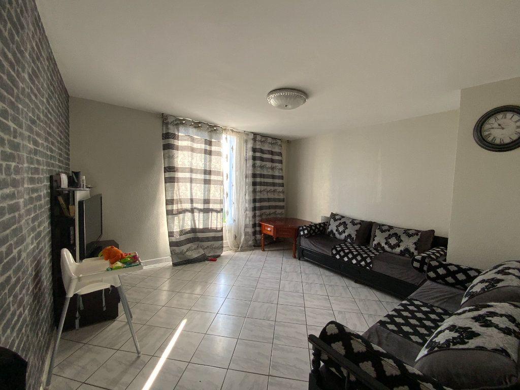 Appartement à vendre 5 80.15m2 à Fontaine vignette-1