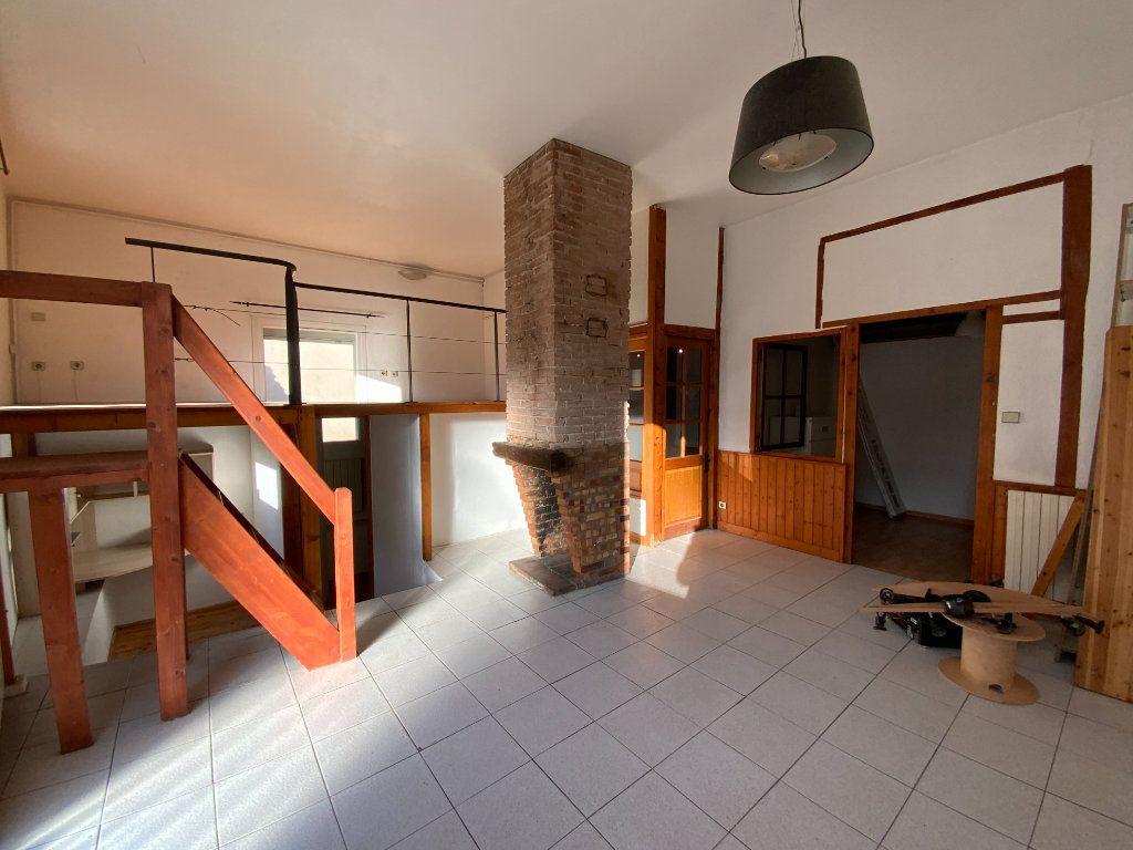 Appartement à vendre 3 67.85m2 à Grenoble vignette-1