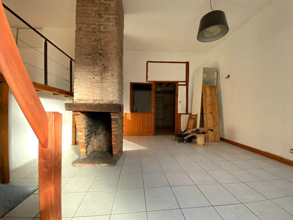 Appartement à vendre 3 67.85m2 à Grenoble vignette-2