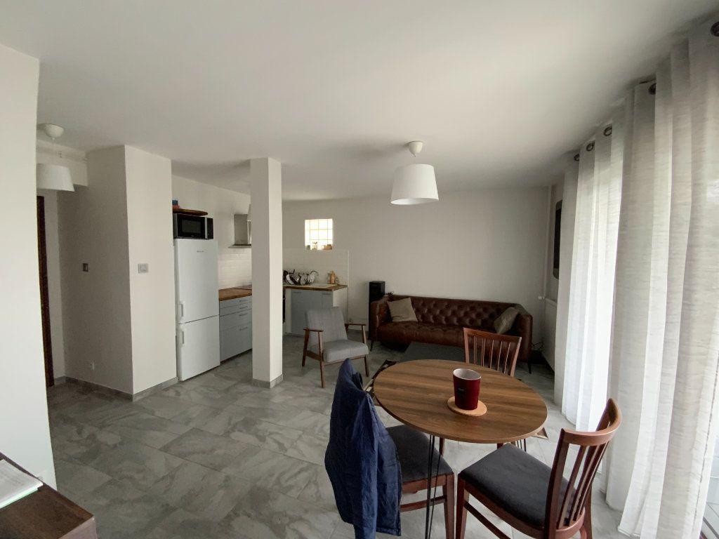 Appartement à vendre 2 44m2 à Grenoble vignette-2