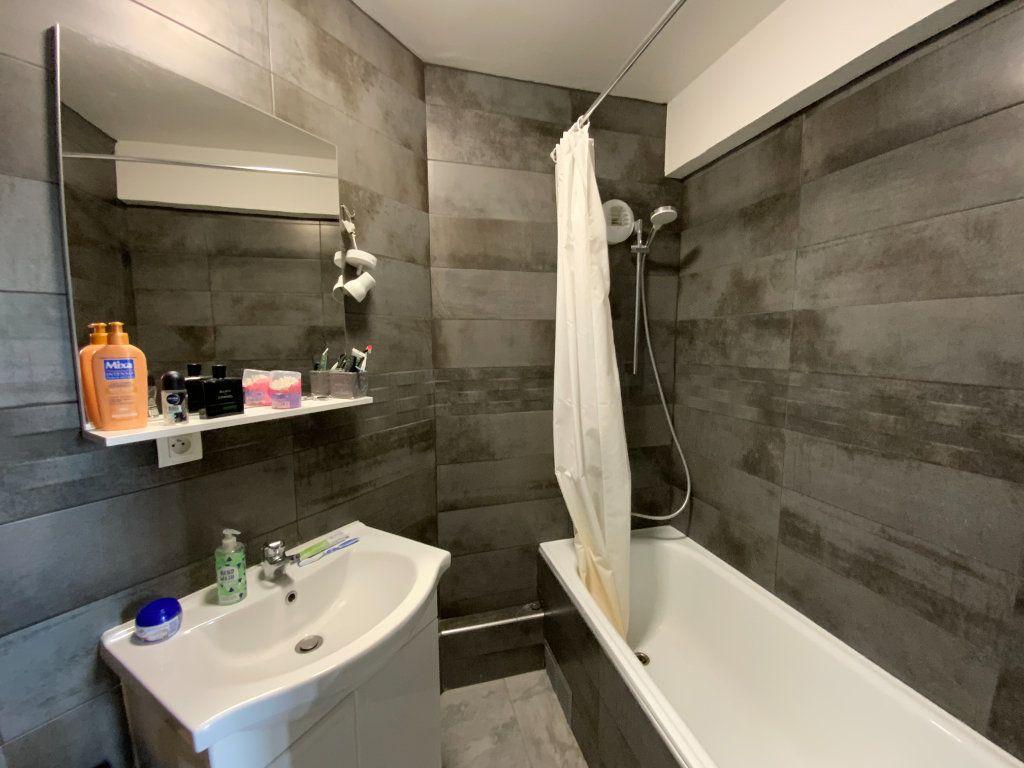 Appartement à vendre 2 44m2 à Grenoble vignette-4