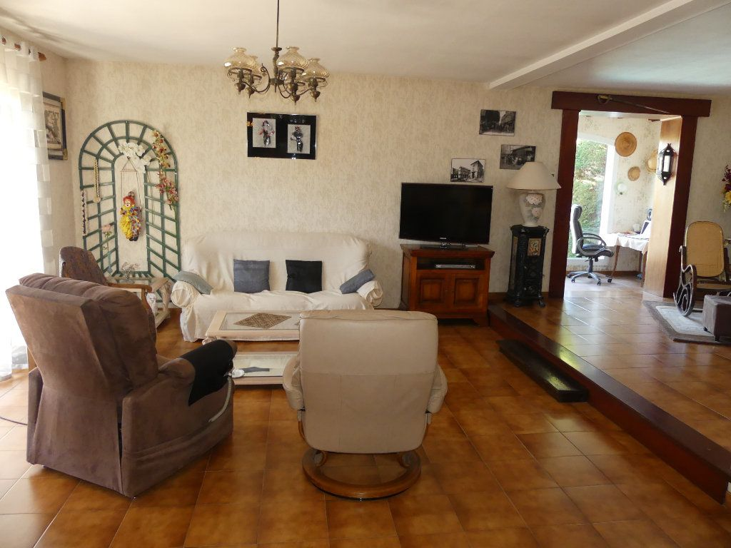 Maison à vendre 8 230m2 à Sérignan vignette-4