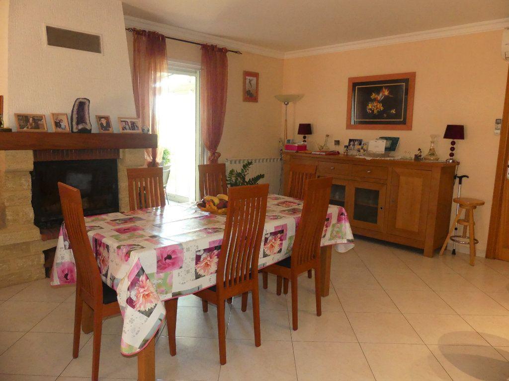 Maison à vendre 5 133m2 à Sérignan vignette-4