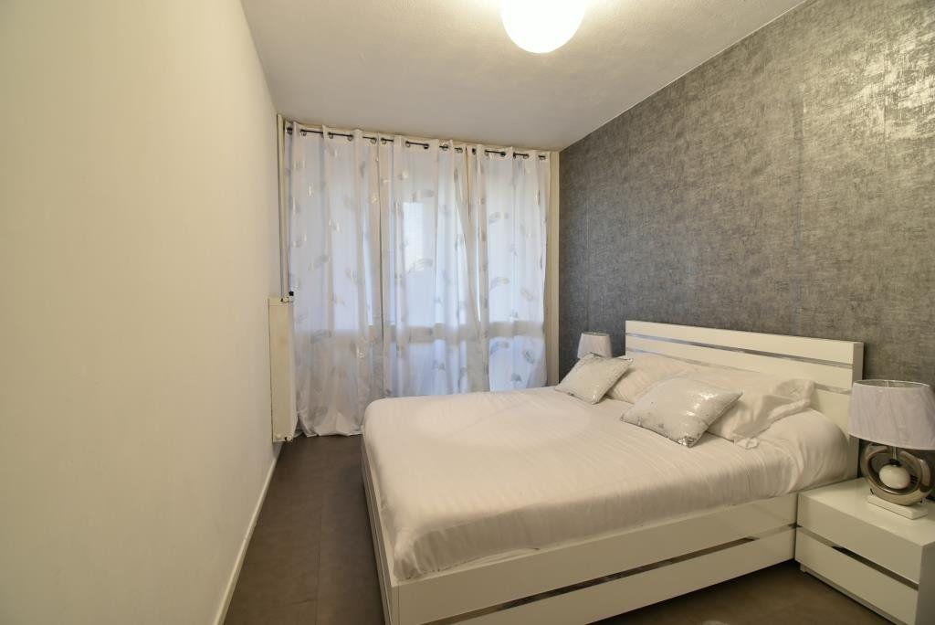 Appartement à vendre 5 90.73m2 à Valence vignette-4