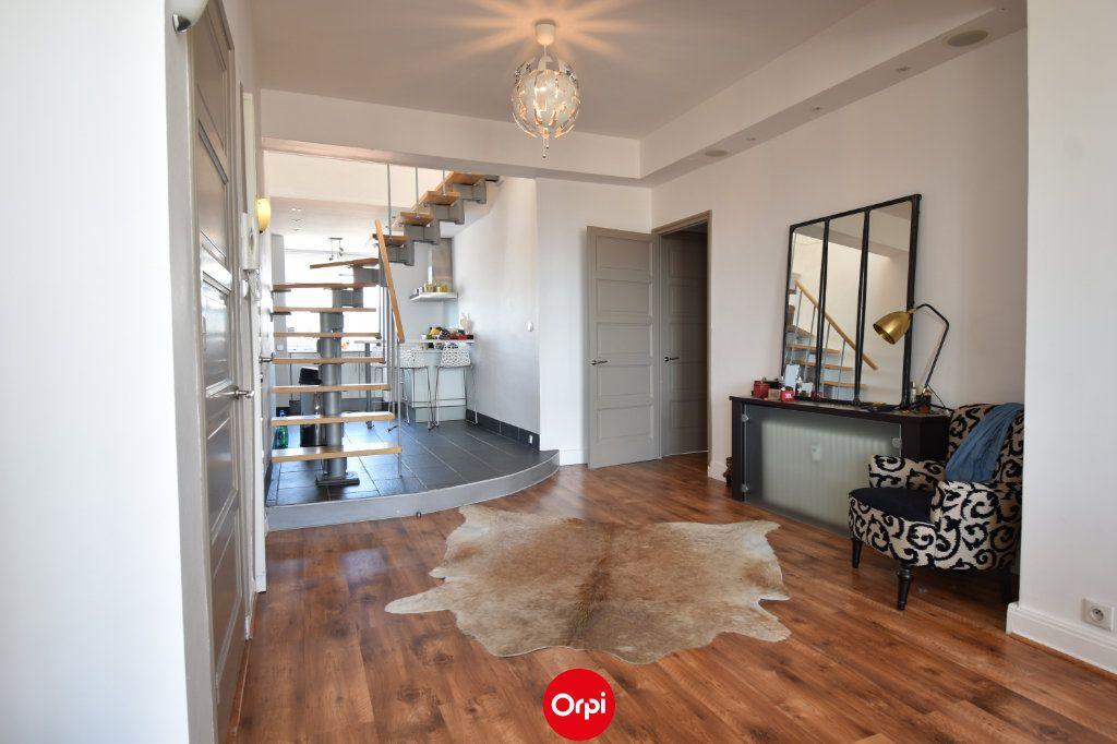 Appartement à vendre 6 140m2 à Valence vignette-1