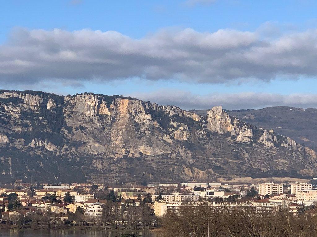 Appartement à vendre 6 140m2 à Valence vignette-9