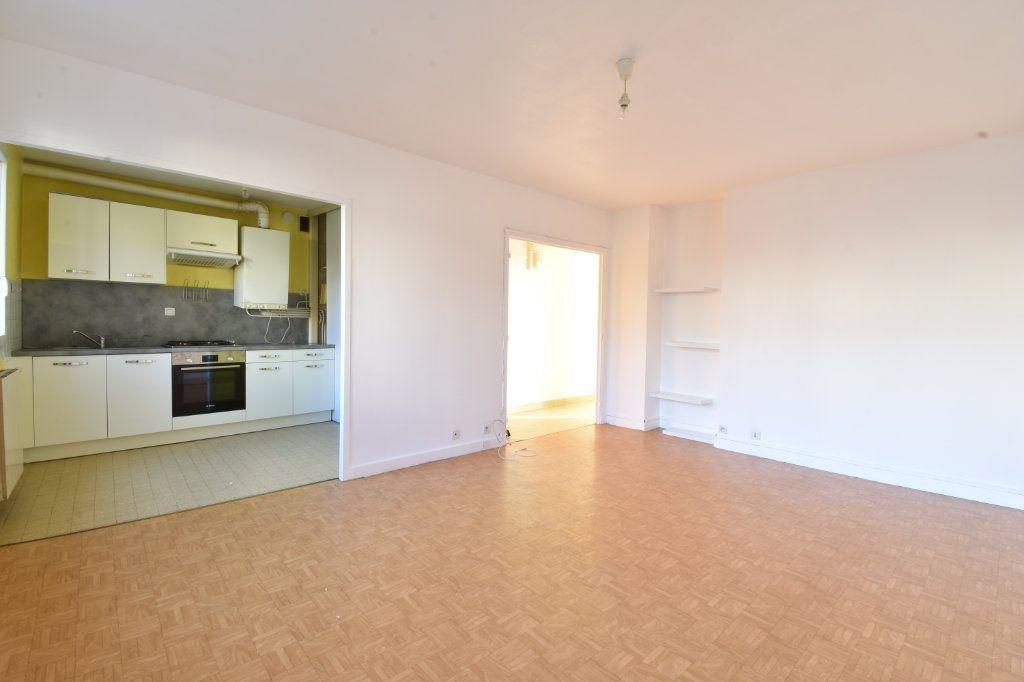 Appartement à louer 2 47m2 à Valence vignette-2