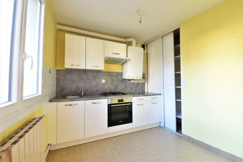 Appartement à louer 2 47m2 à Valence vignette-3