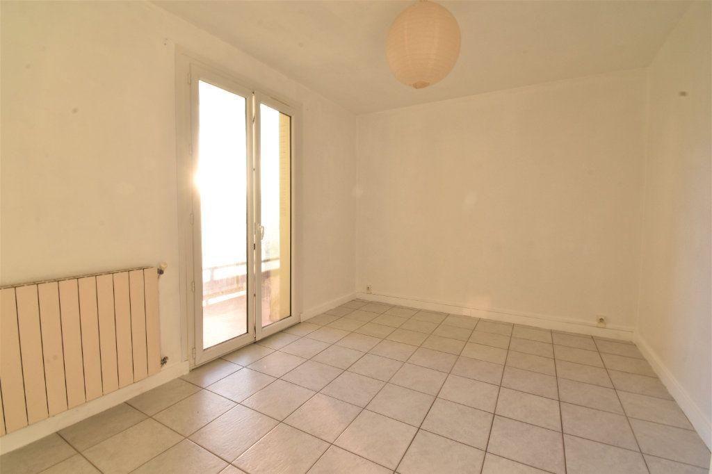 Appartement à louer 2 47m2 à Valence vignette-4