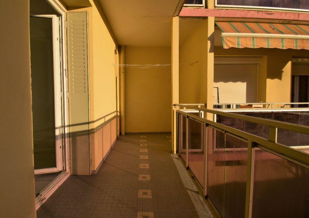 Appartement à louer 2 47m2 à Valence vignette-7