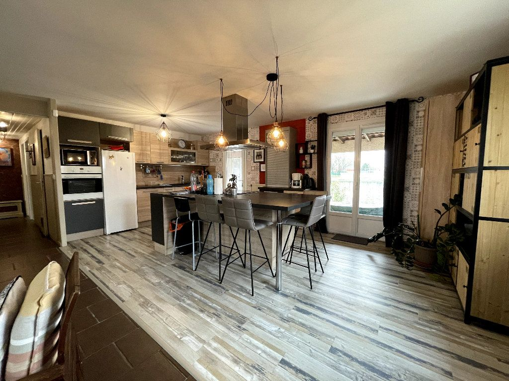 Maison à vendre 5 147.42m2 à Valence vignette-2