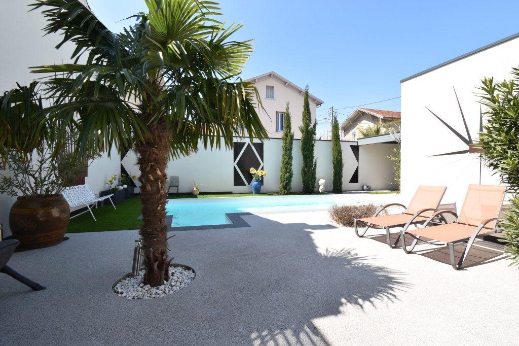 Maison à vendre 5 180m2 à Valence vignette-2