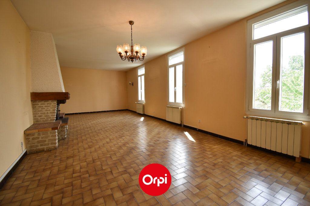 Maison à vendre 6 167.31m2 à Guilherand-Granges vignette-2