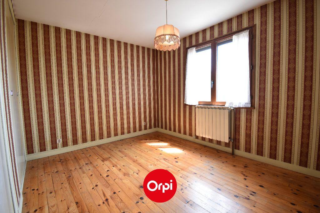 Maison à vendre 6 167.31m2 à Guilherand-Granges vignette-4