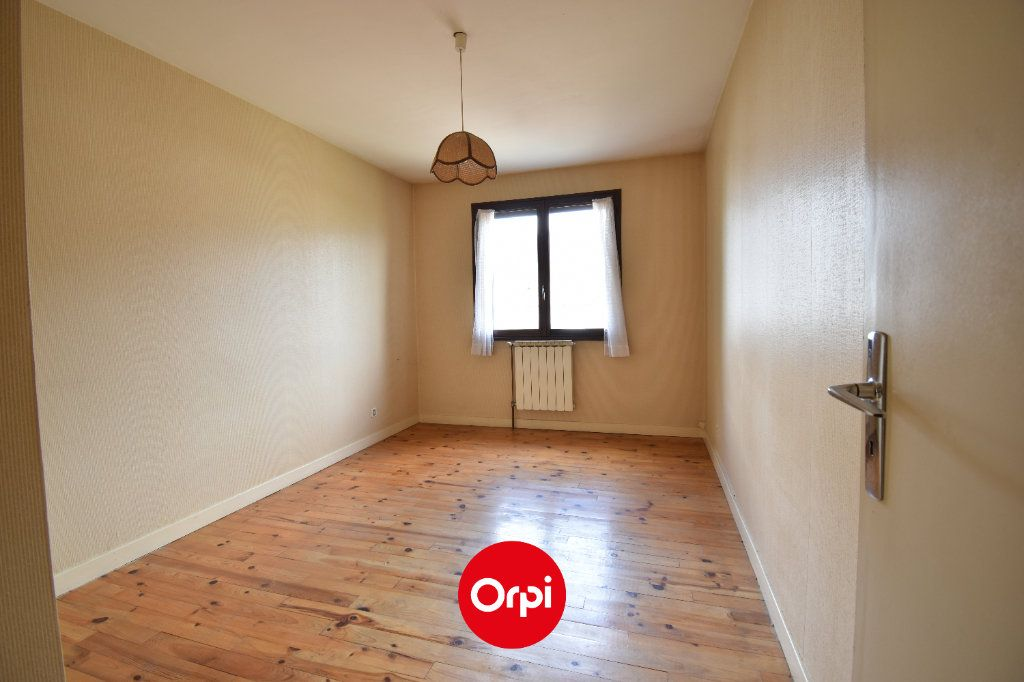 Maison à vendre 6 167.31m2 à Guilherand-Granges vignette-5