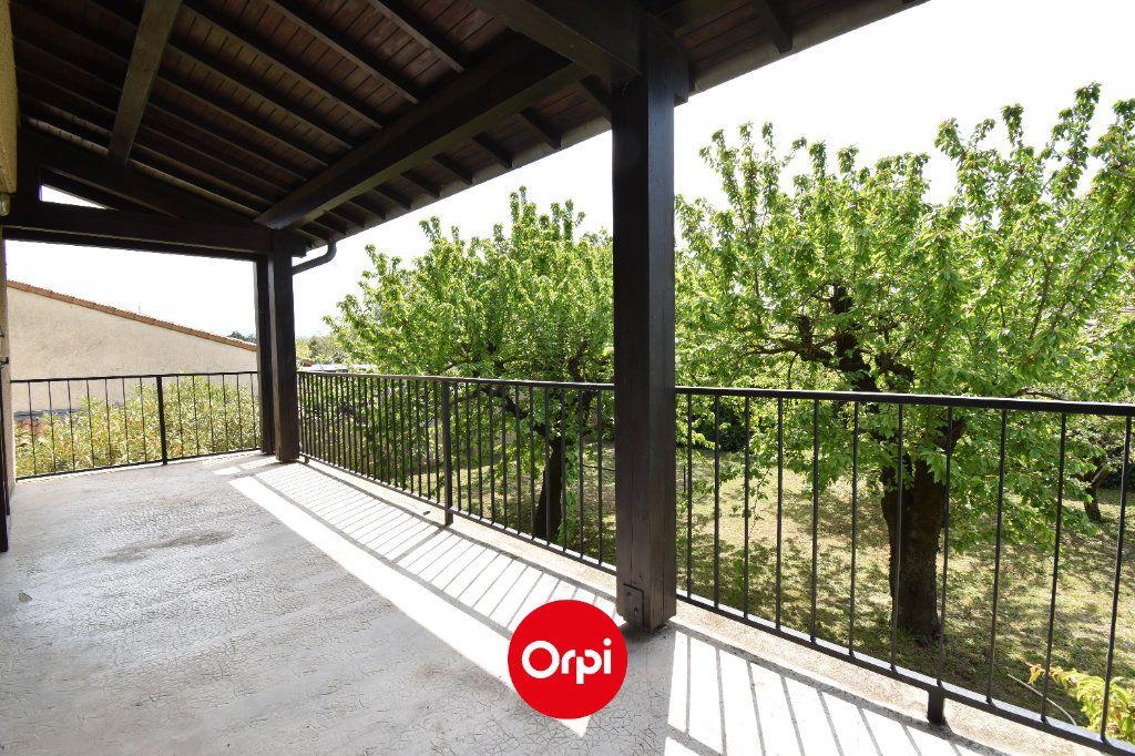 Maison à vendre 6 167.31m2 à Guilherand-Granges vignette-6