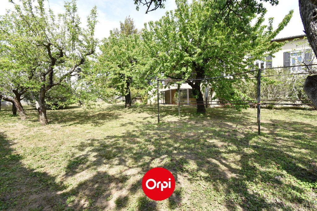 Maison à vendre 6 167.31m2 à Guilherand-Granges vignette-8