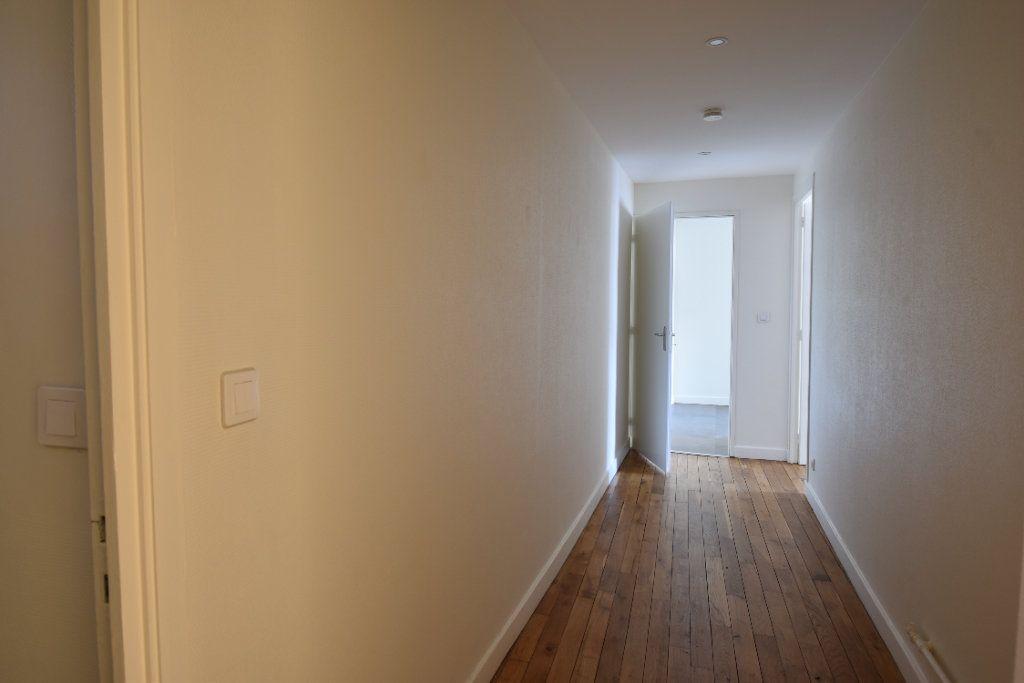 Appartement à louer 3 124.8m2 à Valence vignette-6