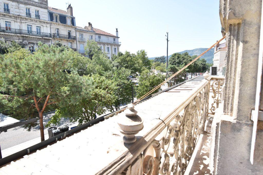 Appartement à louer 3 124.8m2 à Valence vignette-10