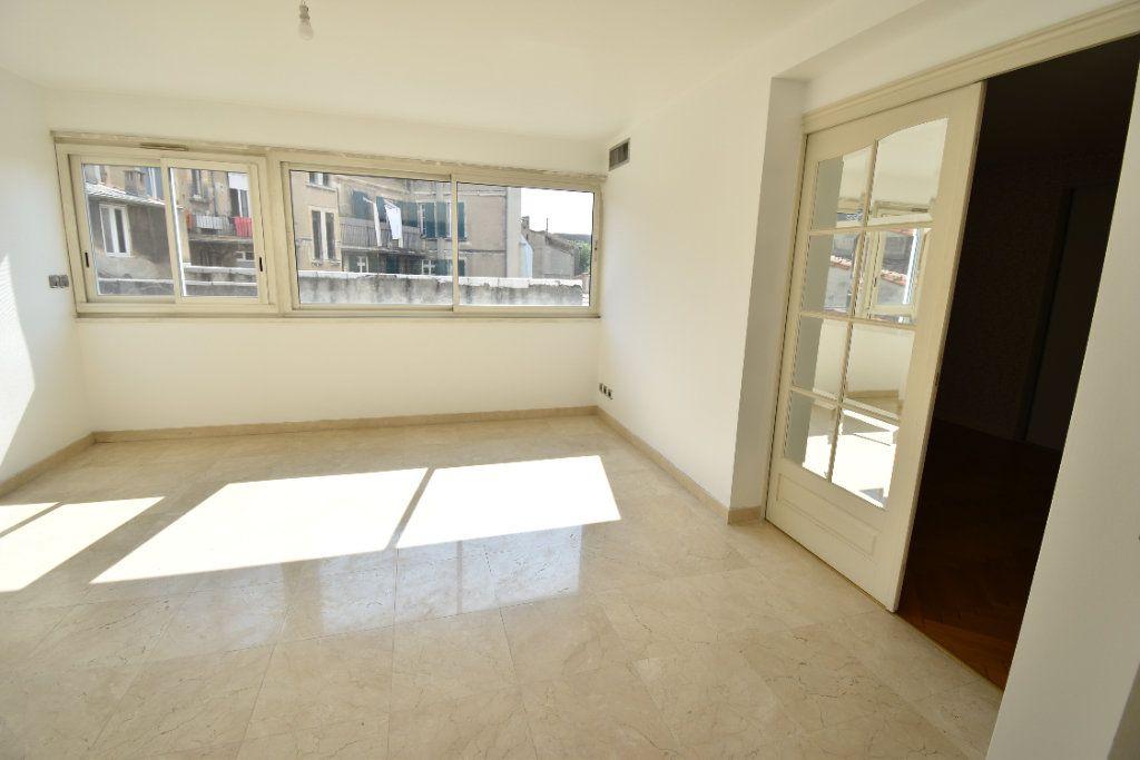 Appartement à louer 6 180m2 à Valence vignette-6