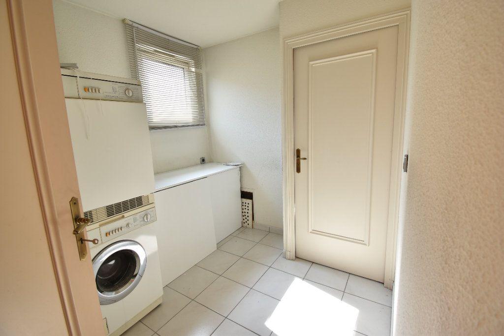 Appartement à louer 6 180m2 à Valence vignette-9