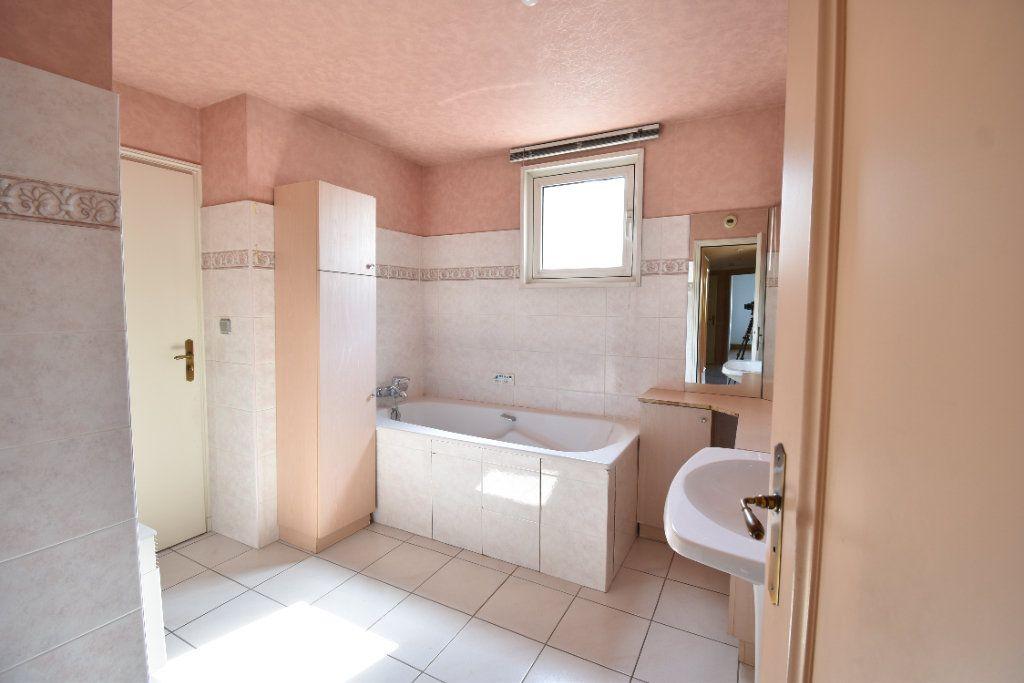 Appartement à louer 6 180m2 à Valence vignette-10