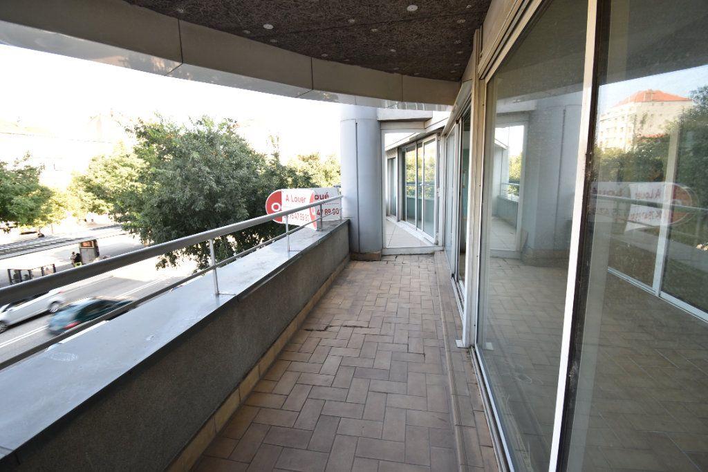 Appartement à louer 6 180m2 à Valence vignette-15