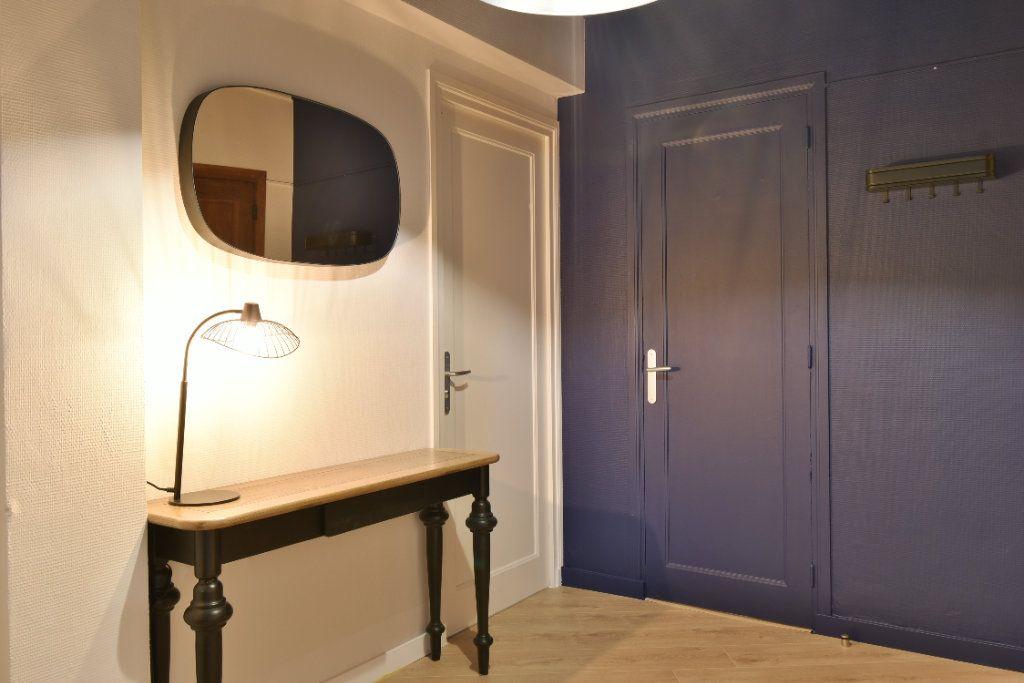 Appartement à louer 5 89.87m2 à Valence vignette-4