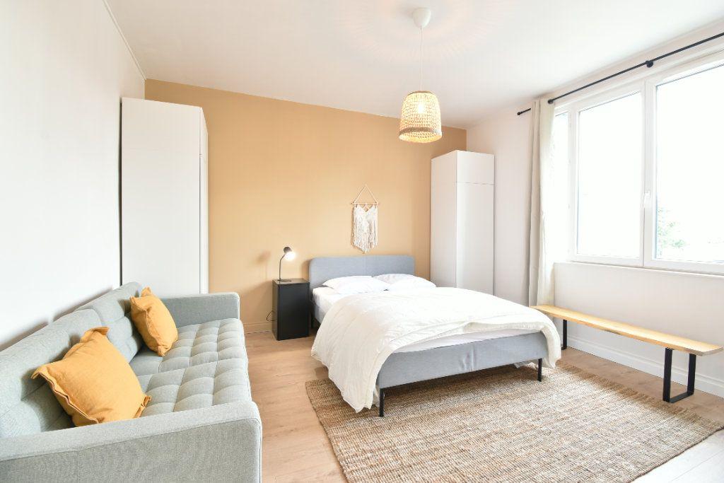 Appartement à louer 5 89.87m2 à Valence vignette-5