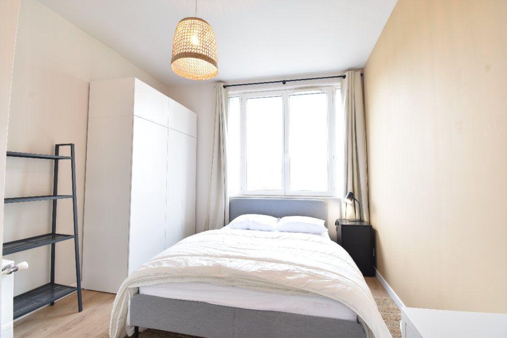 Appartement à louer 5 89.87m2 à Valence vignette-6