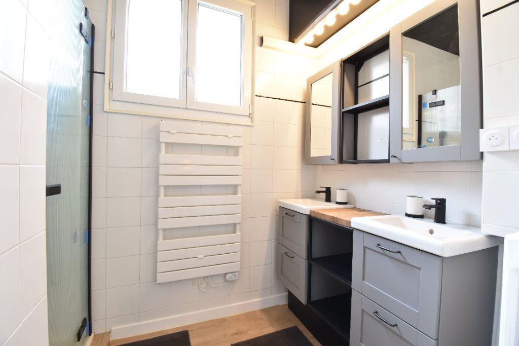 Appartement à louer 5 89.87m2 à Valence vignette-9