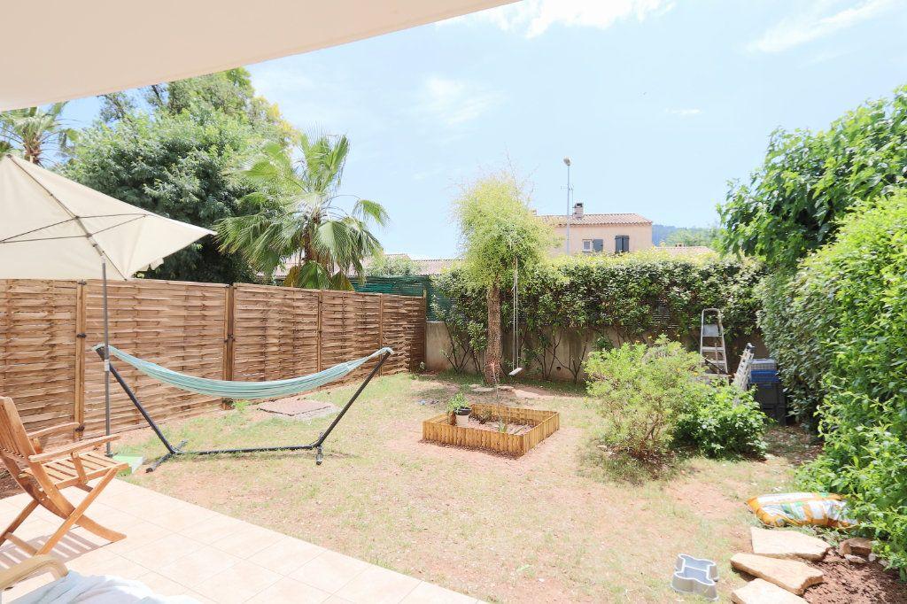 Appartement à vendre 2 34.27m2 à Solliès-Pont vignette-4