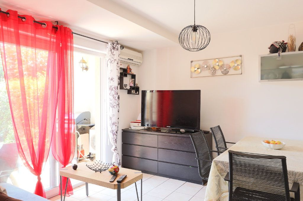 Appartement à vendre 2 34.27m2 à Solliès-Pont vignette-6